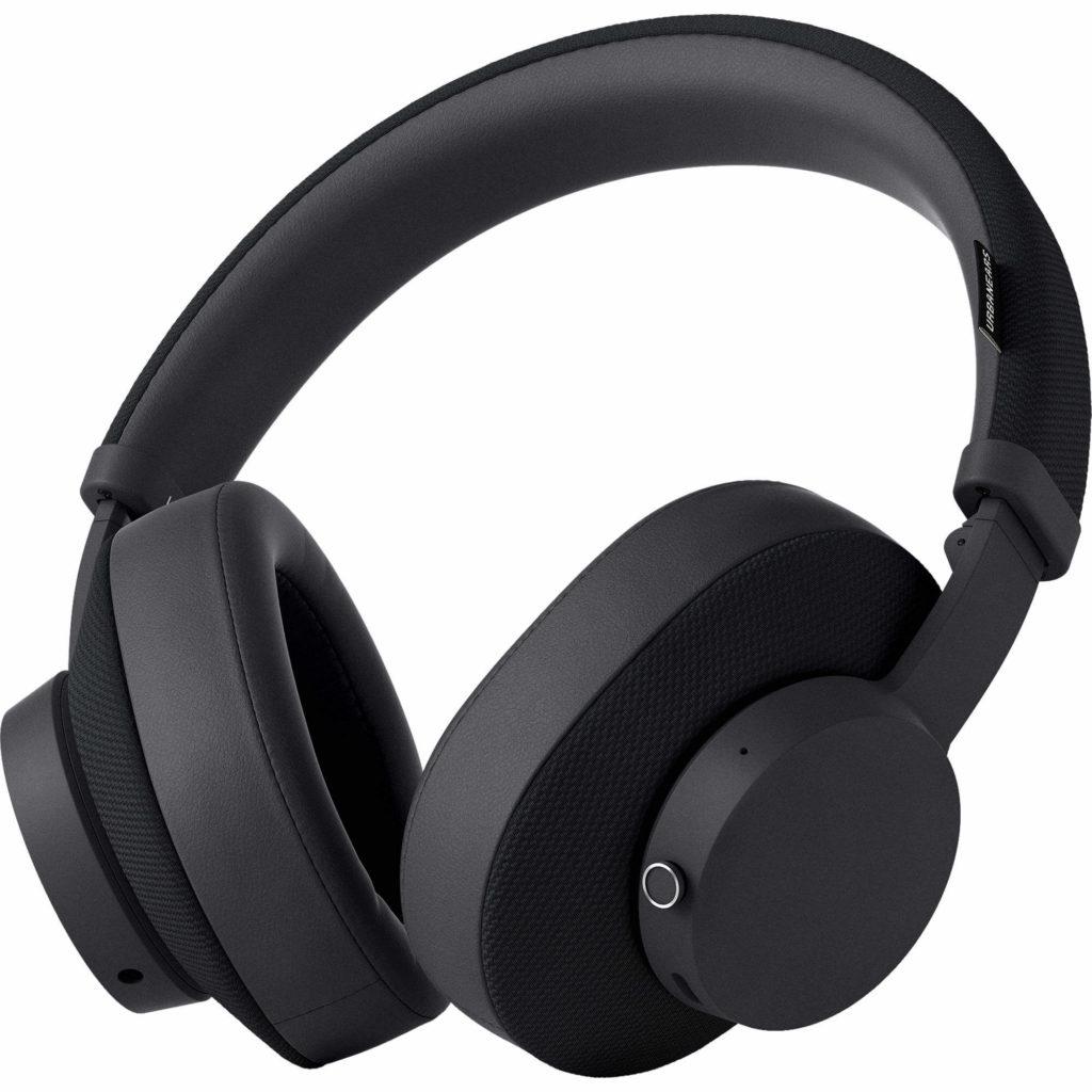 Over-the-ear Headphones - Types of Bluetooth Headphones